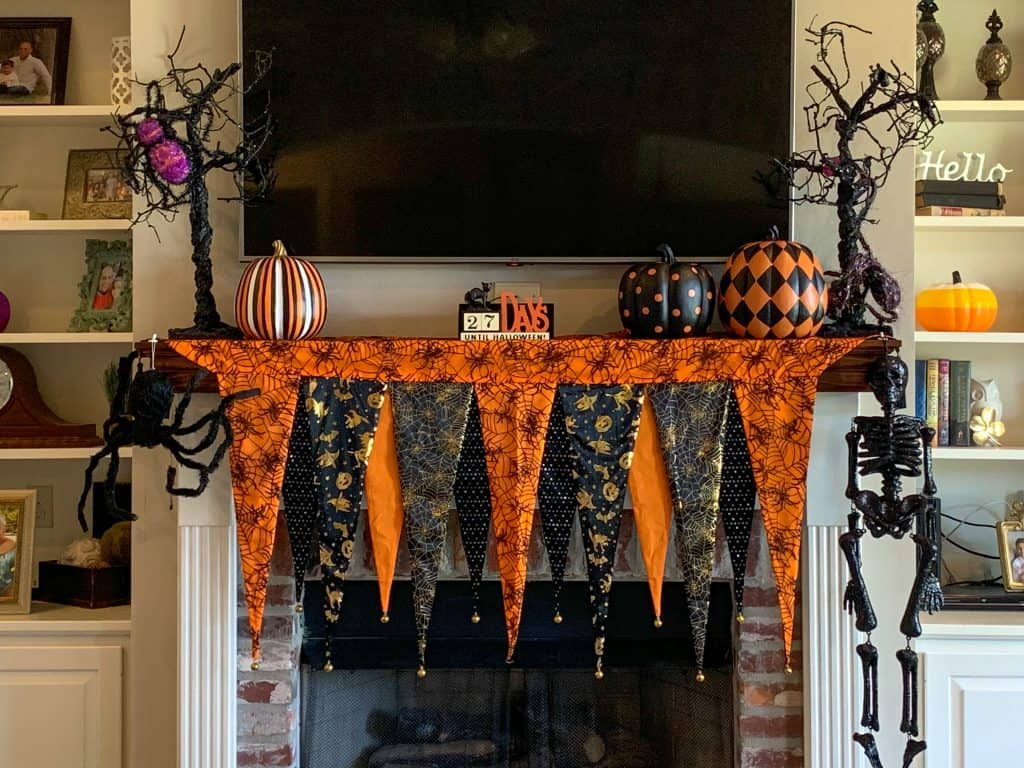 Halloween fireplace mantle decor
